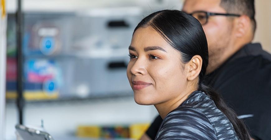 Brenda Carlos Aranda, una maestra el la Primaria Farmdale, obtuvo sus credenciales en UC Merced